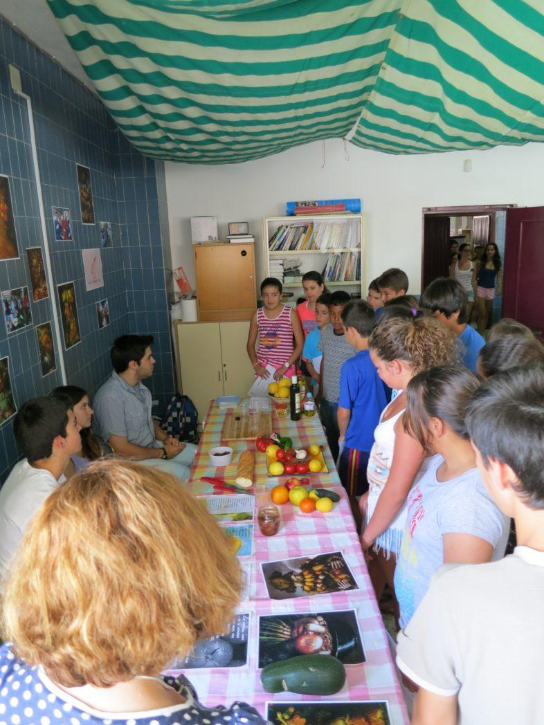 alumnado-del-ceip-jorge-guilln-visita-stand-de-cultura-alimentaria_9077884126_o