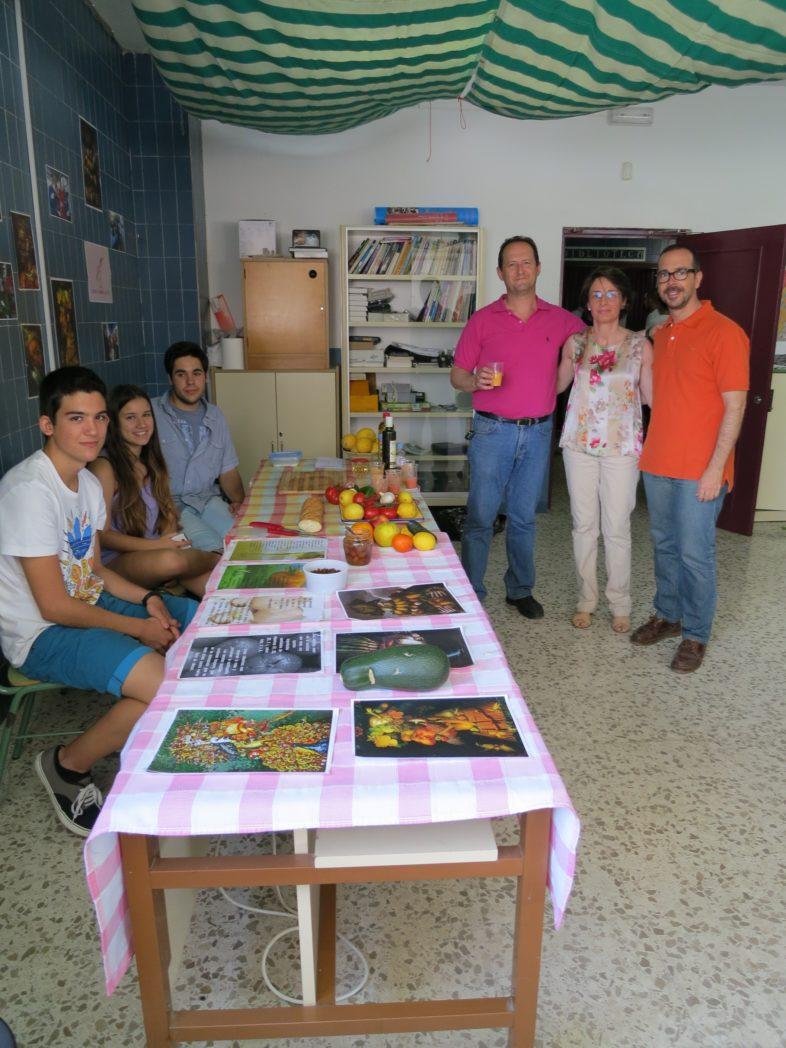 ilustres-proyectistas-visitan-el-stand-de-cultura-alimentaria_9074460409_o