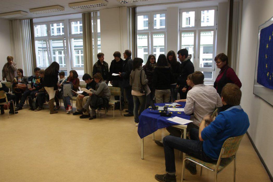 preparando-el-role-play-sobre-parlamento-europeo_6580934433_o